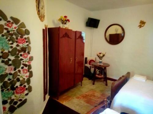 alojamiento-en-pension-santa-rosa-samos-21